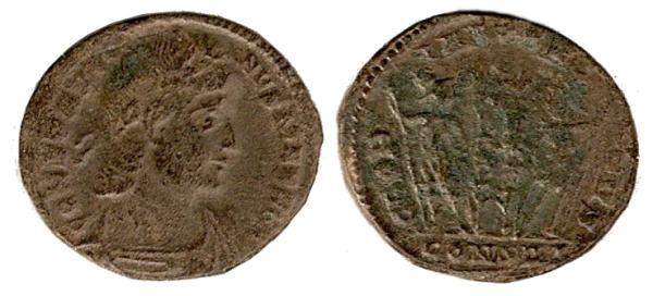 Follis de Constantino I Magno 330 - 333 d. C. GLORIA EXERCITVS. Constantinopolis _constantinople_RIC_VII_073v